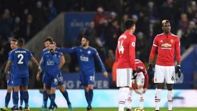 Manchester United dejó escapar el triunfo ante Leicester y se alejó del City