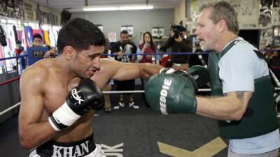 Freddie Roach: 'Khan tiene que ser perfecto ante 'Canelo' Álvarez'