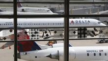 Pasajera de Delta Airlines que golpeó a una asistente de vuelo en octubre pasado enfrenta multa de $27,500