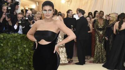 ¿Se deben los logros de Kylie Jenner a su propio mérito o a la fama y dinero de su familia?