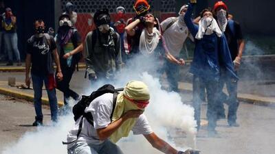 Venezuela arde entre muertos, heridos y represión