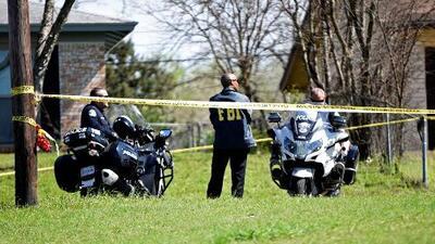 Aumenta recompensa a $115,000 por información sobre las tres bombas que explotaron en Austin
