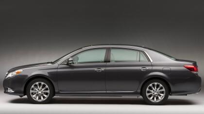 """<h3 class=""""cms-h3-H3"""">Grande: Toyota Avalon 2010-2012</h3> <br>Este es un auto que Toyota ideo y diseño exclusivamente para el mercado estadounidense y su tamaño lo hace ideal para los largos viajes en autopistas tan comunes en este país, los cuales se pueden hace con un poco de paz mental al sabernos respaldados por la calidad que suele caracterizar a los Toyota.  <br> <br> <b>Ideal</b>: para <b> personas que hacen viajes largos</b>."""