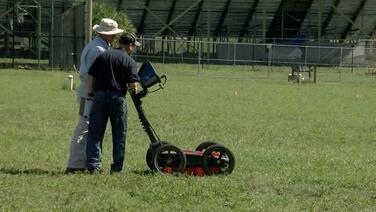 Encuentran 145 tumbas debajo de una escuela pública de Florida