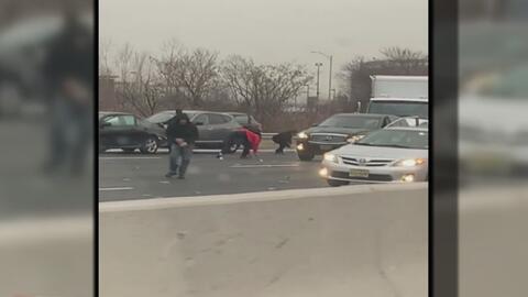 Autoridades piden que devuelvan el dinero que cayó de un camión blindado en Nueva Jersey
