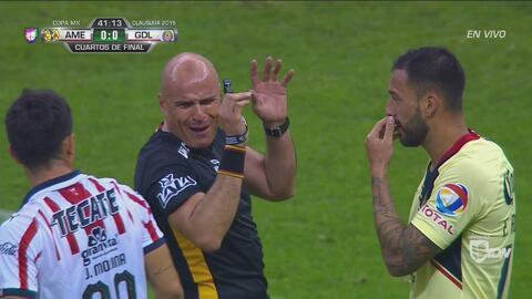 """""""A mí me vale madr%*... Todos me la pel@*"""", les dijo el árbitro Chacón a Molina y Aguilera"""
