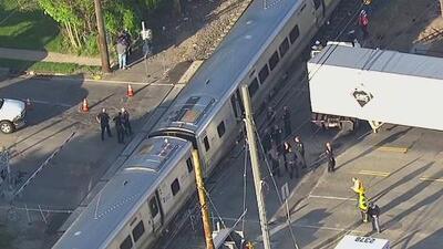 Normalizan el servicio de trenes de la Long Island Rail Road tras un choque contra un camión