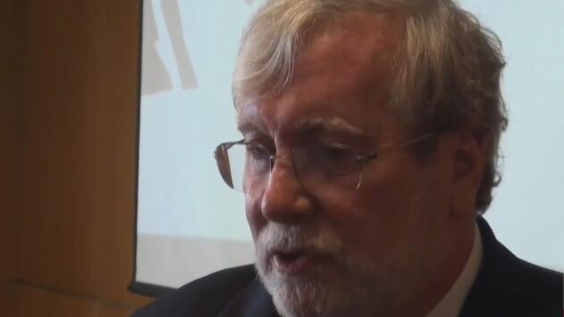 Profesor de la Universidad de Miami acusado de lavado de dólares queda libre bajo fianza