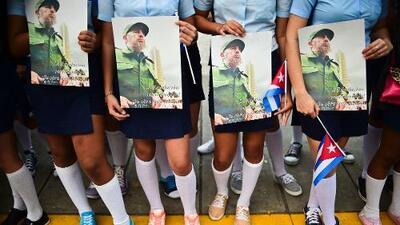 Las cenizas de Fidel Castro desandan los pasos de su ejército rebelde