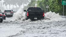 Así trabajan las autoridades en Miami para evitar que las lluvias provoquen inundaciones en concurridas vías