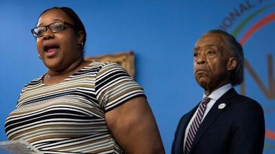 Despiden a agente involucrado en la muerte de Eric Garner, Planned Parenthood pierde fondos federales y más