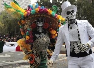 📷 México comienza sus celebraciones de Día de Muertos con un colorido desfile
