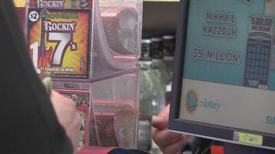 Residentes de Sacramento buscan ganar el premio gordo en el 'Mega Millions'