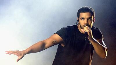 Drake bought J Lo a $100,000 Platinum Necklace