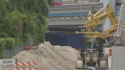 Denuncian que una obra está obstaculizando una parada de autobuses que diariamente usan ancianos en Miami
