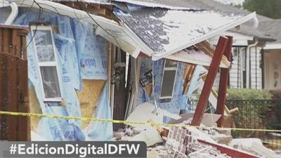 Una niña muere y cuadras de una vecindario son evacuadas tras la explosión de una casa en Dallas