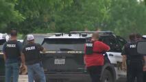 Arrestan a tres adolescentes sospechosos de robo, secuestro y tiroteo a una residencia