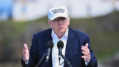 Trump dice que deportaría inmigrantes indocumentados si llega a la presidencia