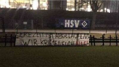 Amenazan al Hamburgo con 11 cruces en campo de entrenamiento