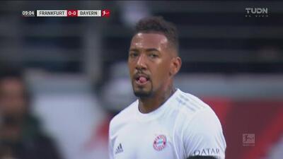 ¡Deja diezmado al Bayern! Boateng se va expulsado por falta cerca del área