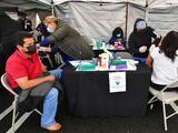 Dónde y cuándo puedes vacunarte contra el Covid-19 en las clínicas móviles del condado de Los Ángeles