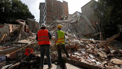 Socorristas mantienen las labores de rescate tras el terremoto de magnitud 7.1 en México