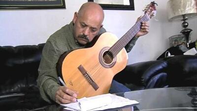 Las injusticias contra los inmigrantes son la fuente de inspiración de este compositor hispano