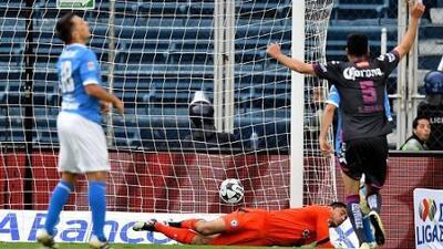 Puebla confirmó a Cruz Azul como el equipo con menos suerte del mundo
