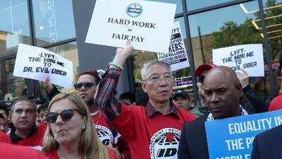 Conductores de Uber, Lyft y Juno protestan en al menos 10 ciudades de EEUU exigiendo mejores condiciones