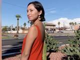 Inmigrante hispana gana $1,000 extra al mes trabajando 5 horas a la semana