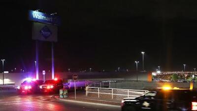"""""""Testimonio de la fortaleza de la comunidad"""": Walmart reabre sus puertas en El Paso tres meses después de la masacre"""
