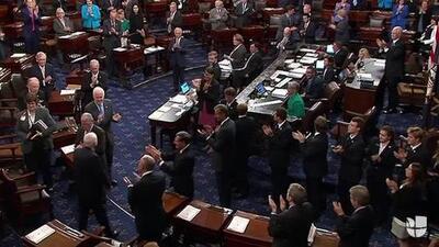 Así recibieron a McCain en el Senado después de saber que tiene cáncer cerebral