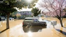 Dónde permanece el riesgo de deslaves e inundaciones repentinas en el Área de la Bahía