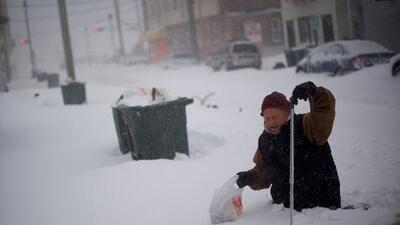 La extrema ola de frío deja ya más de 5,300 vuelos cancelados