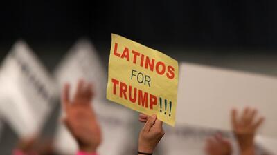 """Más hispanos piensan que la campaña de Trump """"toma en serio"""" a la comunidad, aunque son minoría quienes dicen que votarán por él"""