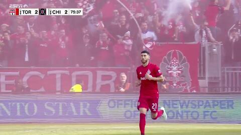 Jonathan Osorio anota de cabeza y empata el marcador, Toronto FC 2-2 Chicago Fire