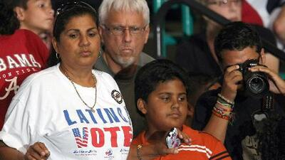 """""""Están viendo el poder que ellos tienen"""", la opinión de una experta en torno al aumento de votantes hispanos"""