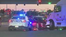 Dos menores en Utah toman el auto de sus padres y chocan contra un camión remolque