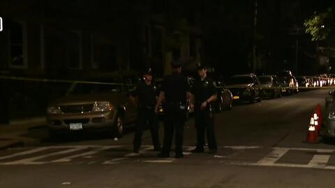 'Nueva York en un Minuto': un hombre fue herido por la policía luego de atacar con un cuchillo a su compañero de habitación en Brooklyn