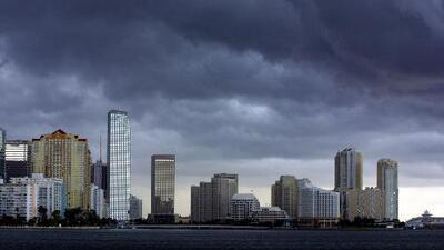 Miami tendrá una noche cargada de tormentas eléctricas, nubes y calor intenso este viernes