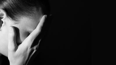 Nunca le restes importancia a la 'peor jaqueca de la vida': podría ser un aneurisma cerebral