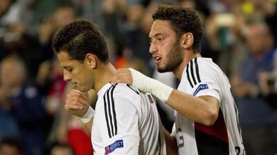 Compañero de Chicharito culpa a su padre tras suspensión en el Bayer Leverkusen