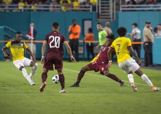 En fotos: Venezuela y Ecuador empatan con gol de Enner Valencia sobre el final