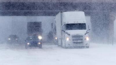 Un ciclón invernal golpea con vientos huracanados, nieve y abundantes lluvias a más de 25 estados del país