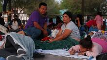 Nueva esperanza para miles de migrantes que pidieron asilo bajo el gobierno de Donald Trump