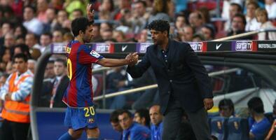 "Frank Rijkaard, extécnico del Barcelona, le dijo a Laporta que ""el Barsa no era un grande como el Madrid"""