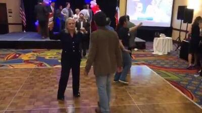 En video: Así baila una hispana para celebrar su victoria electoral