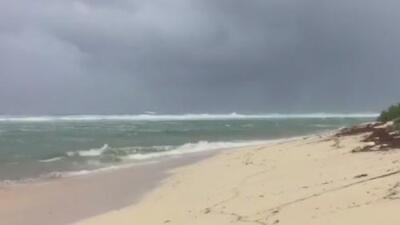 Huracán Irma toca tierra en las Antillas Menores, donde hay máxima alerta
