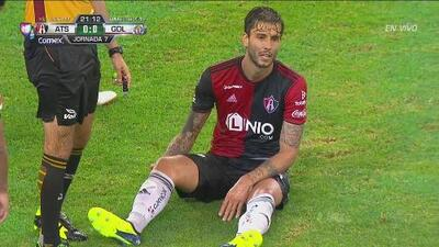 ¡Muy malas noticias para Atlas! Ricky Álvarez se lesiona y sale de cambio