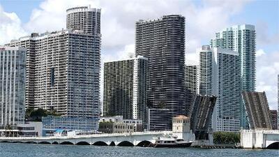 Martes cálido y seco en Miami con cielos mayormente despejados